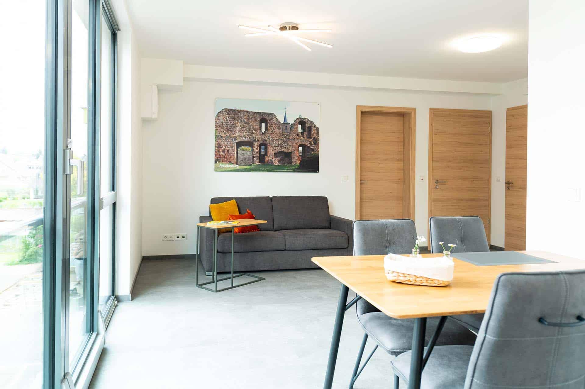 appartement-freudenburg-esszimmer-wohnbereich