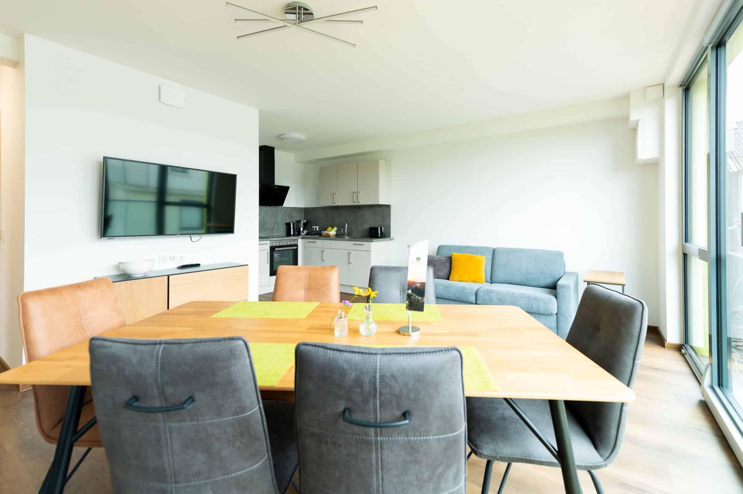 appartement-mettlach-alter-turm-esszimmer-wohnbereich