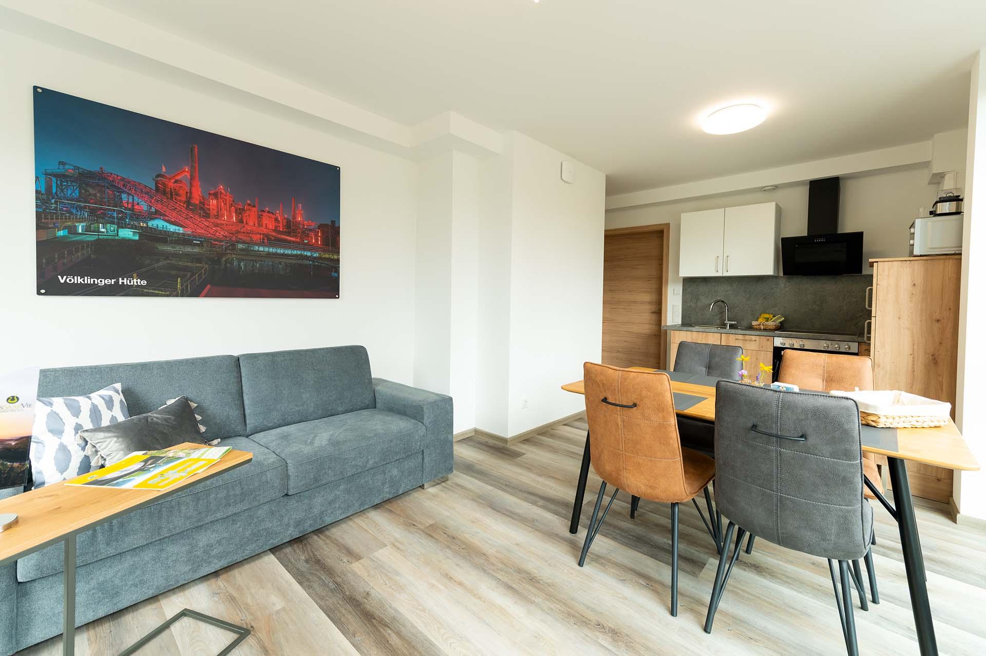 appartement-völklinger-hütte-wohnbereich-esszimmer